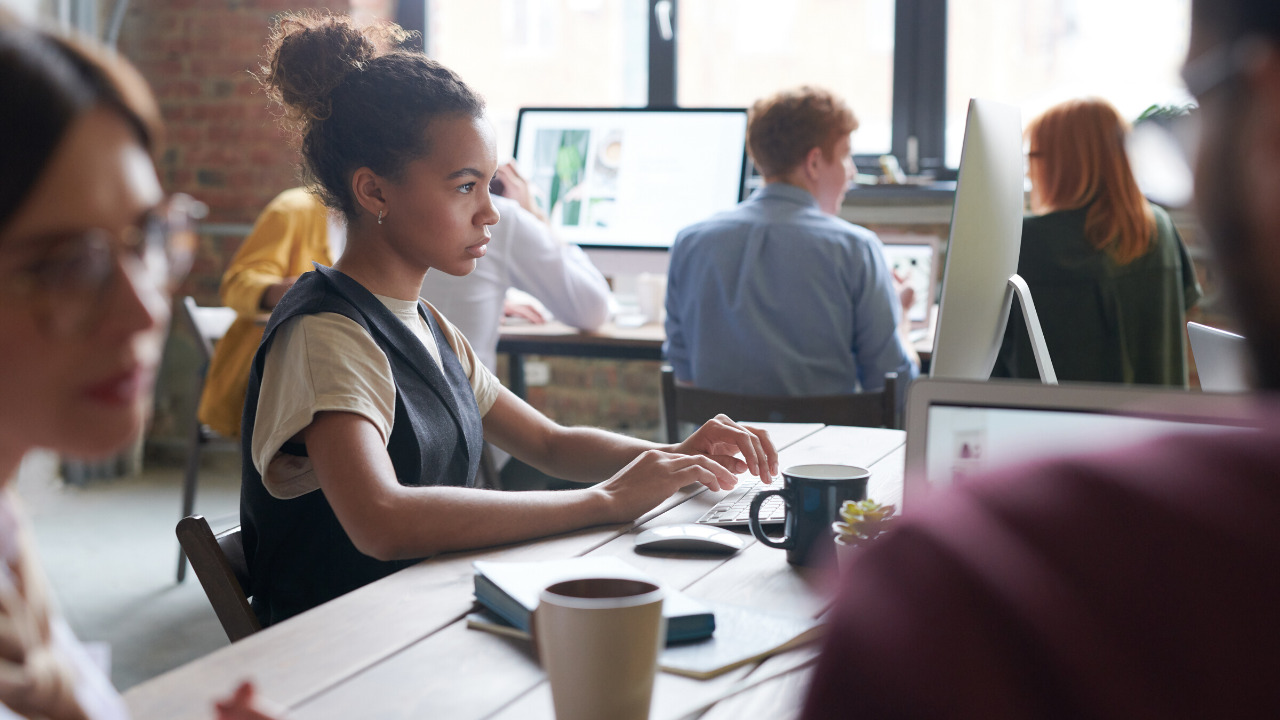 Why Are Big Companies Turn Into Coworking Spaces?